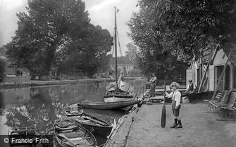 Thorpe St Andrew, River Yare 1919