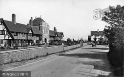Thorpeness, Almshouses And The Dolphin Hotel 1929