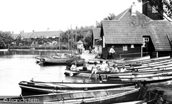 Thorpeness, Boat House And Lake 1929