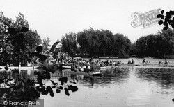 Thorpeness, Boating On The Meare c.1955
