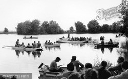 Thorpeness, Festival Singing On The Meare c.1955