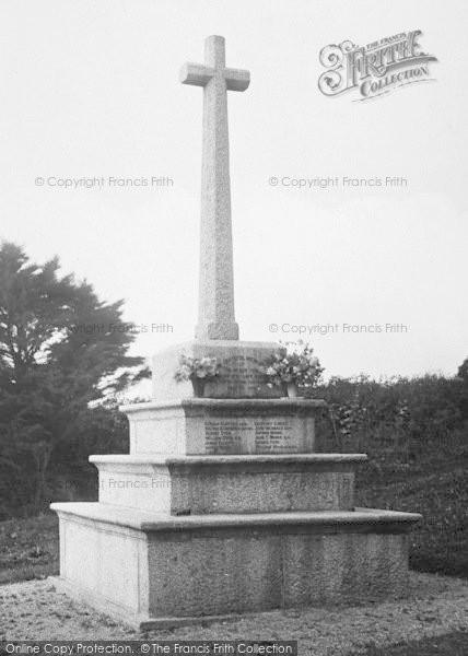 Photo of Thurlestone, War Memorial 1924