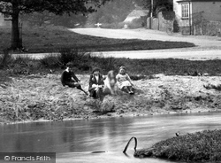 Tilford, Children By The River Wey 1923