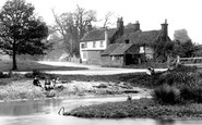 Tilford, The Barley Mow 1923
