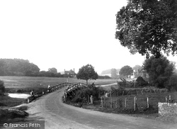 The Green And Bridge 1932, Tilford