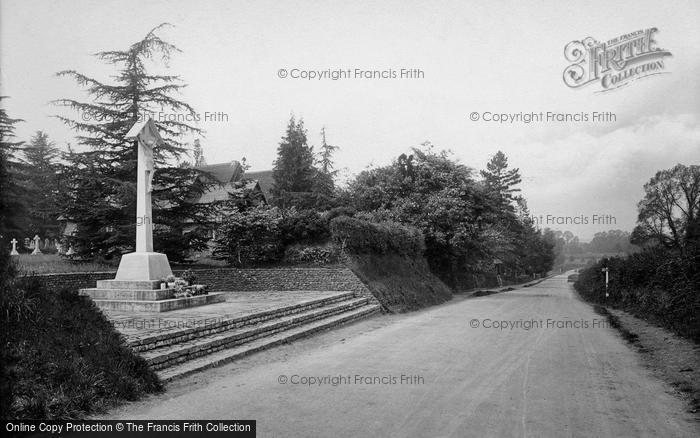 Photo of Tilford, The War Memorial 1923