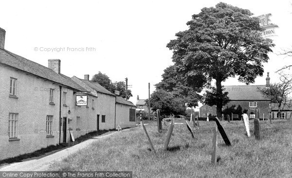 Photo of Tilton On The Hill, Rose And Crown c.1955