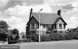 Timperley, Park Gate Hotel c.1960