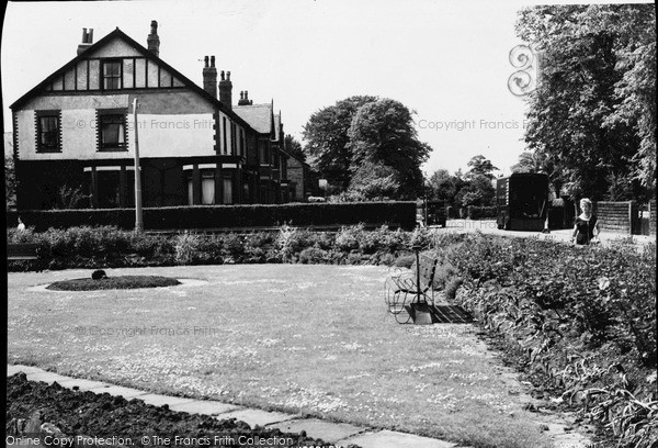 Photo of Timperley, Park Road and Moss Lane Corner c1960