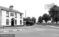 Timperley, The Hare And Hounds c.1955