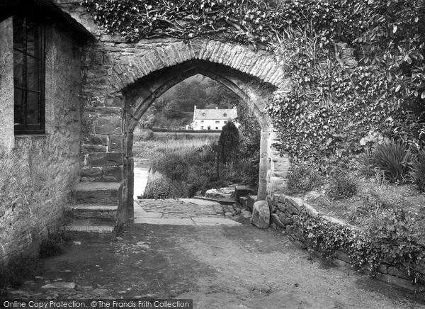 Photo of Tintern, Old Archway To Boat Steps c.1935