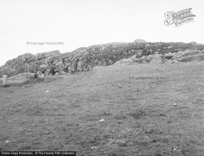 Photo of Tiree, Am Barradhu Dun 1957