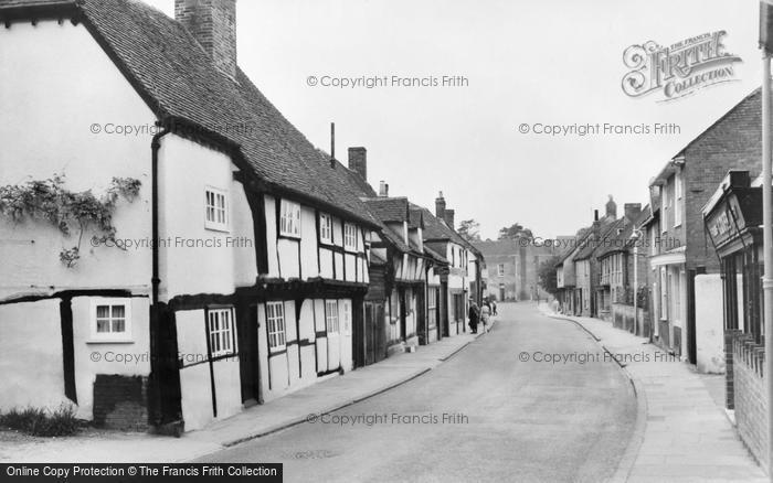 Photo of Titchfield, Elizabethan Cottages, South Street c.1960