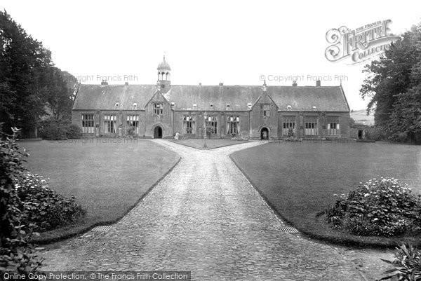 Tiverton, Blundell's Old School 1921