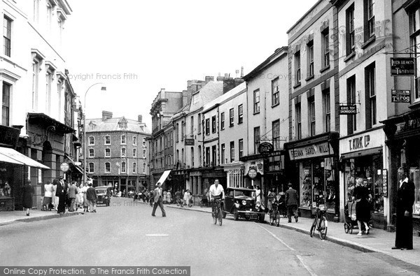 Photo of Tiverton, Fore Street c.1950