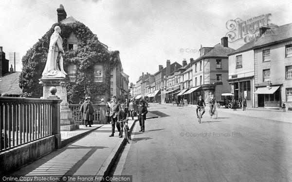 Photo of Tiverton, Gold Street 1920