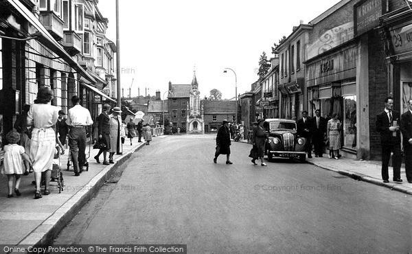 Photo of Tiverton, Gold Street c.1950