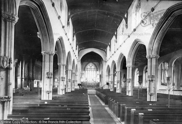 Photo of Tiverton, St Peter's Church Interior 1890