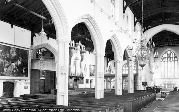 Photo of Tiverton, St Peter's Church Interior c.1960
