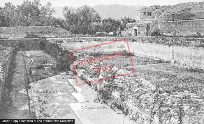 Photo of Tivoli, Hadrian's Villa, Edificio Con Peschiera c.1930