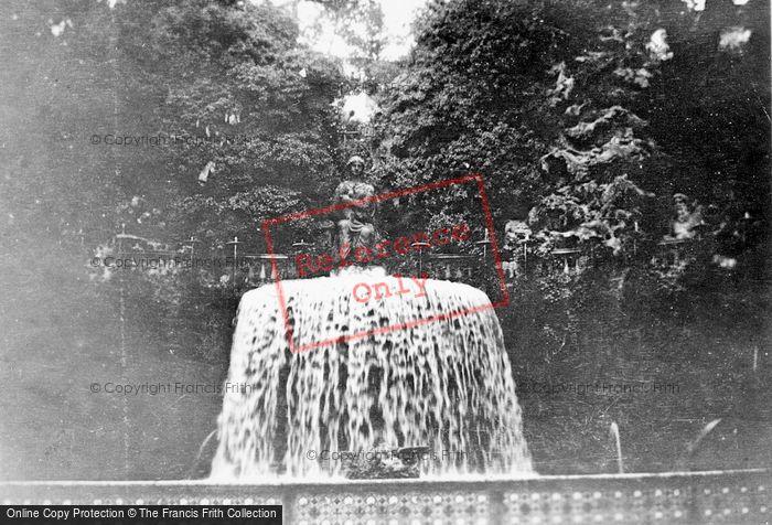 Photo of Tivoli, Villa D'este, The Oval Fountain c.1930