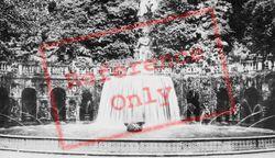 Villa D'este, The Oval Fountain c.1930, Tivoli
