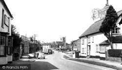 Toddington, High Street c.1955