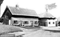 Old Thatched Cottages c.1955, Toddington