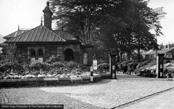 Photo of Todmorden, Centre Vale Park c.1955
