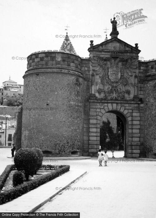 Photo of Toledo, Bisagra Gate 1960