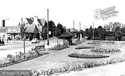 Tolworth, Red Lion Gardens c.1960