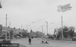 Tolworth, The Broadway c.1950