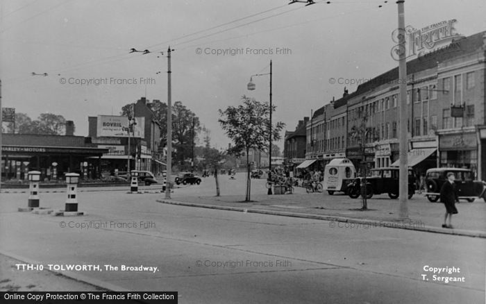 Photo of Tolworth, The Broadway c.1955