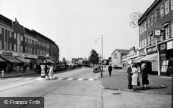 Tolworth, The Broadway c.1960
