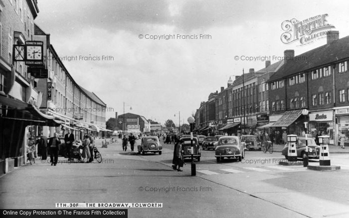 Photo of Tolworth, the Broadway c1960