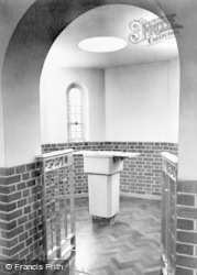 Tolworth, The Roman Catholic Church, Interior c.1960