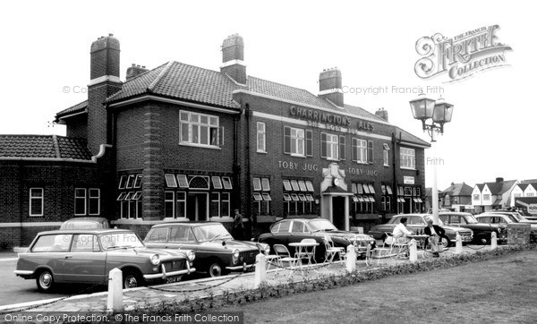 Photo of Tolworth, the Toby Jug c1965