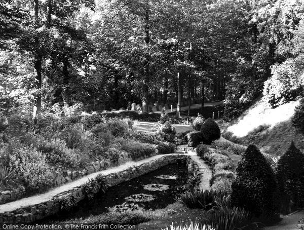 Photo of Tonbridge, Castle Gardens 1951