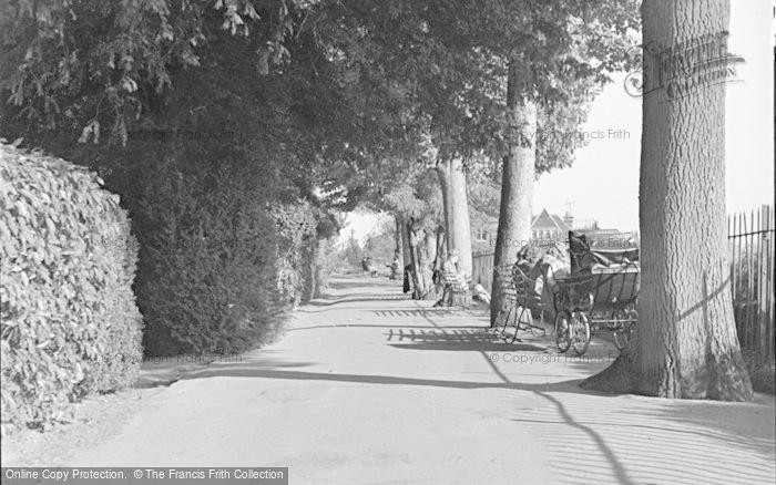 Photo of Tonbridge, Castle Walk 1948