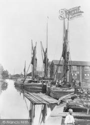 Medway Wharf, Barges c.1900, Tonbridge