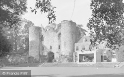 Tonbridge, The Castle 1948