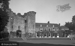 Tonbridge, The Castle 1951