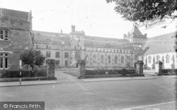 The School 1951, Tonbridge