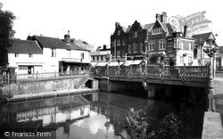 Tonbridge, Town Bridge c.1960