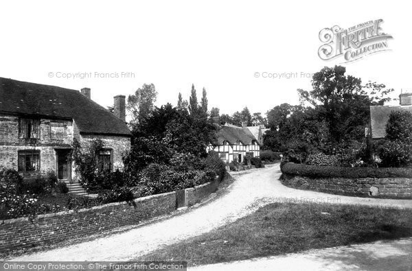 Photo of Tong, The Village 1898