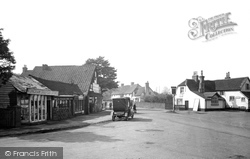 Tongham, Cross 1921