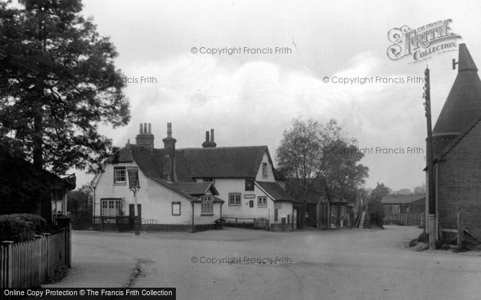 Photo of Tongham, White Hart Hotel 1930