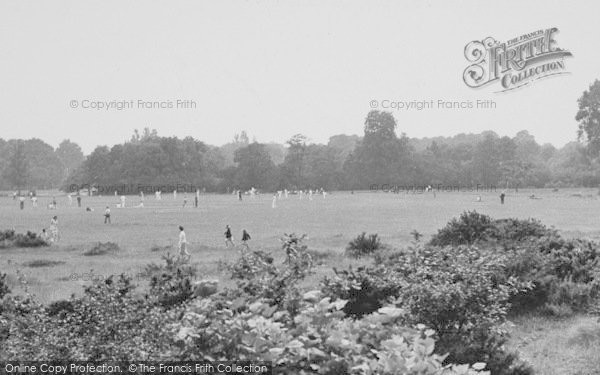 Photo of Tooting Bec, Cricket On The Common 1951