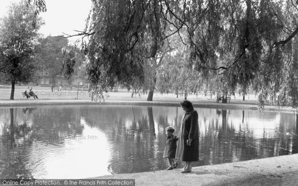 Photo of Tooting Bec, Pond 1951