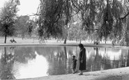 Tooting Bec, Pond 1951